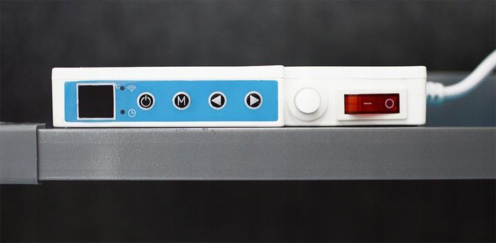 Zbliżenie na panel do obsługi grzejnika