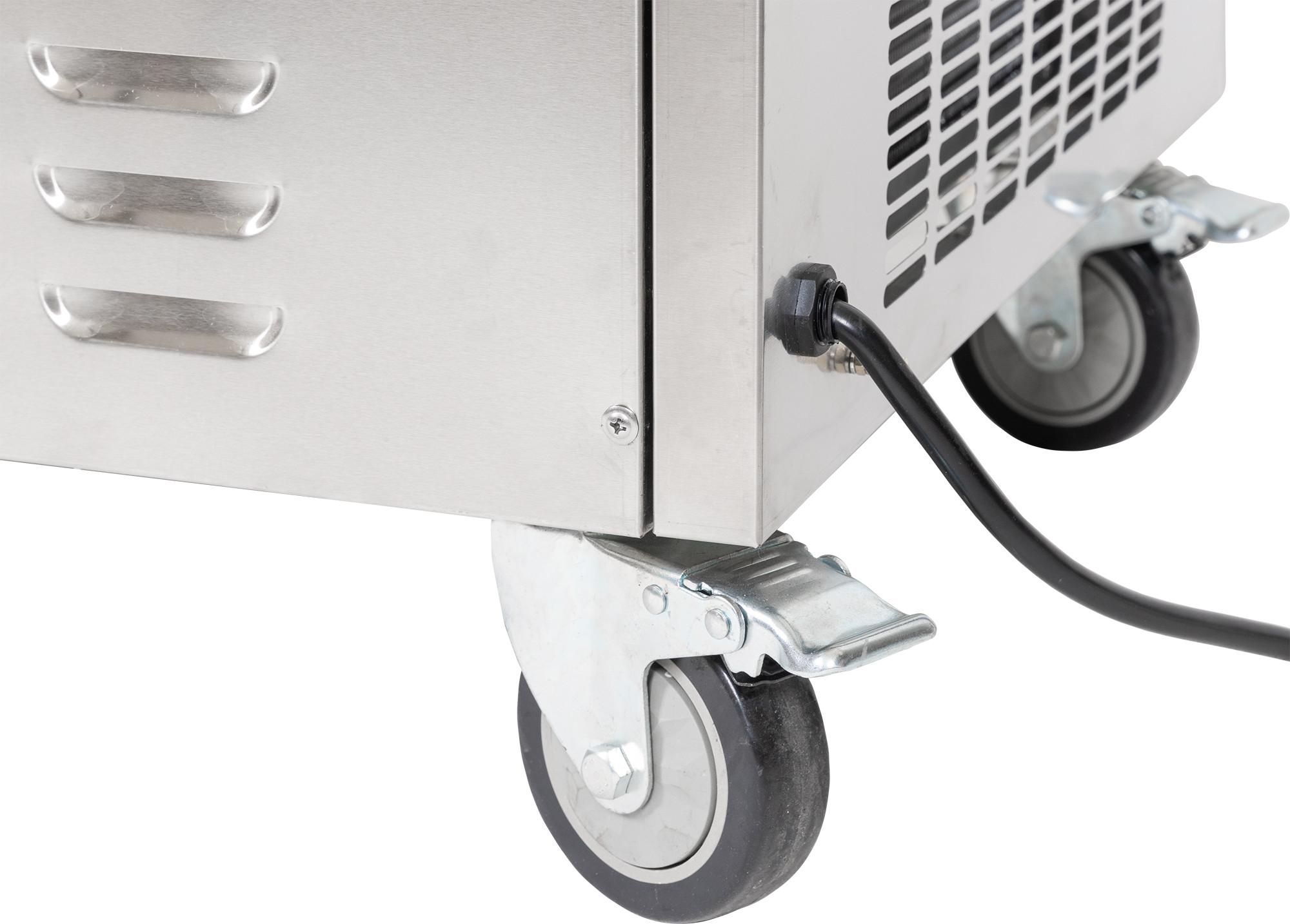 Maszyna do lodów tajskich Sonoro zbliżenie na kółka i kabel