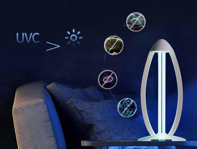 Lampa UV bakteriobójcza Cronos na tle szare kanapy
