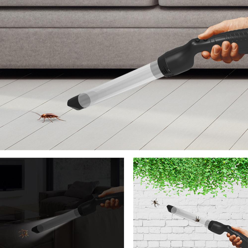 Odkurzacz na owady marki Heckermann podczas łapania pająków nocą