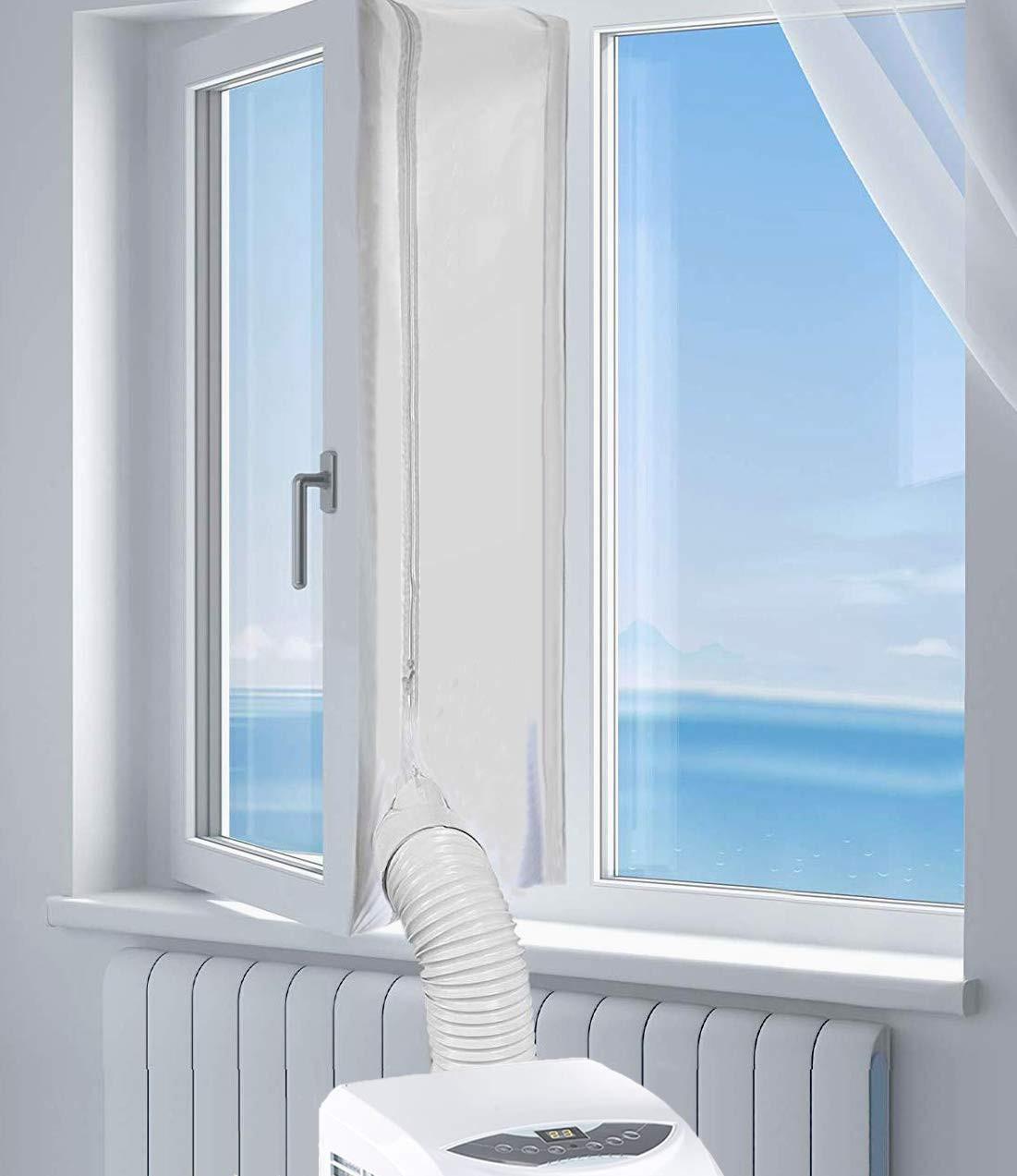 Zbliżenie na uszczelkę do klimatyzatora zamontowaną na oknie