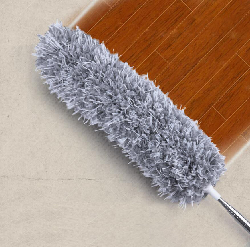 Szczotka miotełka do kurzu zbierająca zabrudzenia z podłogi