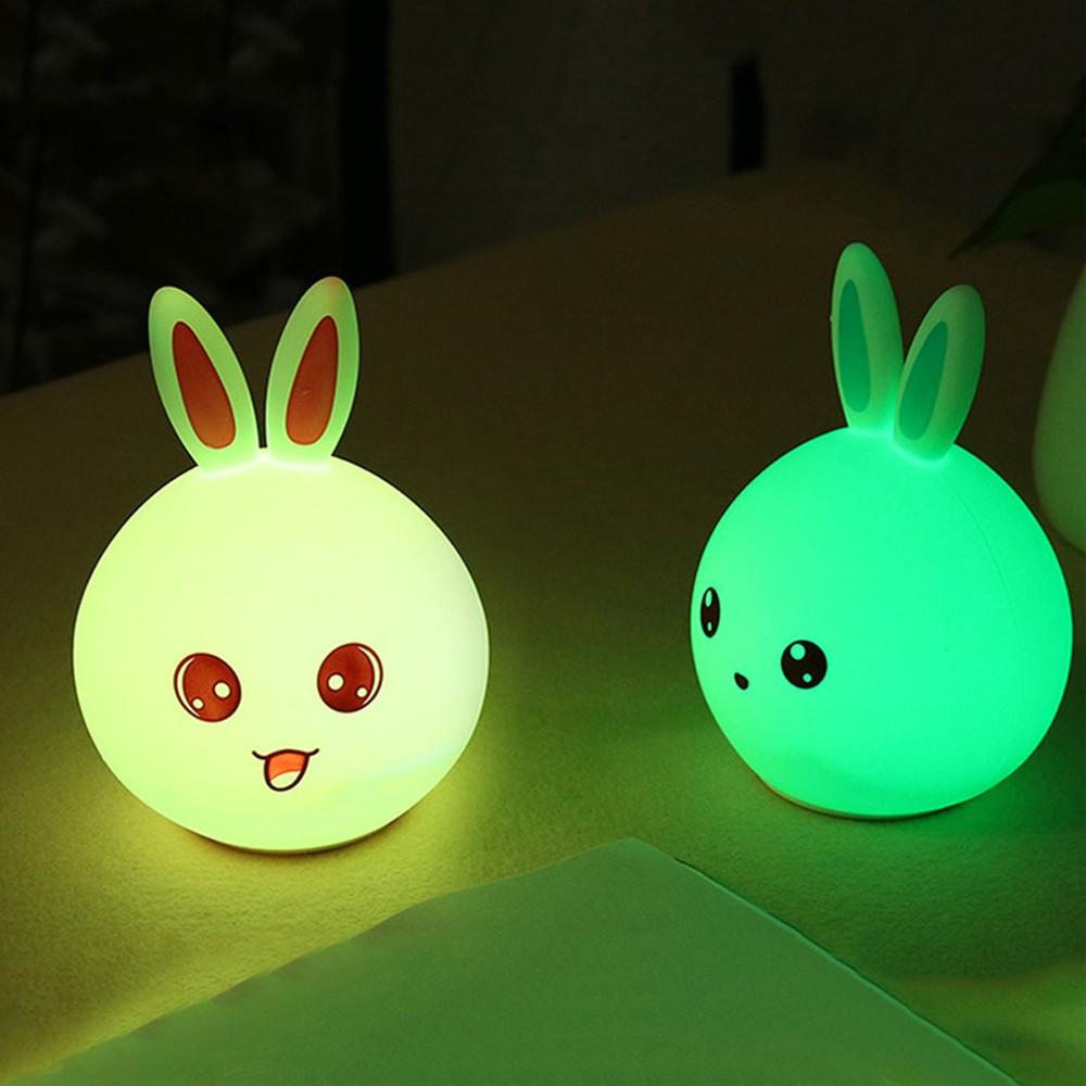Lampka LED Bunny na stoliku
