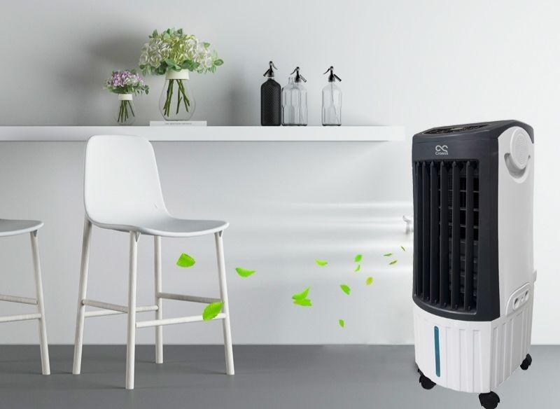 Klimator przenośny w pokoju