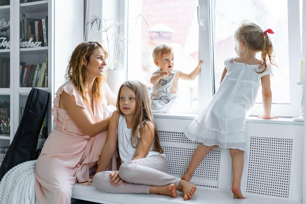 Jak ochłodzić pokój domowymi sposobami? Sprawdzone metody na lato