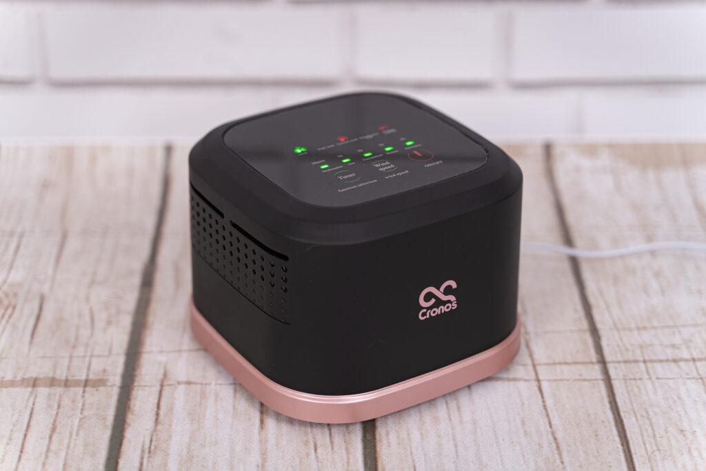 Czarno-różowy oczyszczacz powietrza Cronos
