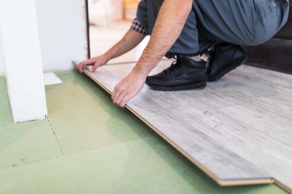 Ogrzewanie podłogowe elektryczne pod panelami
