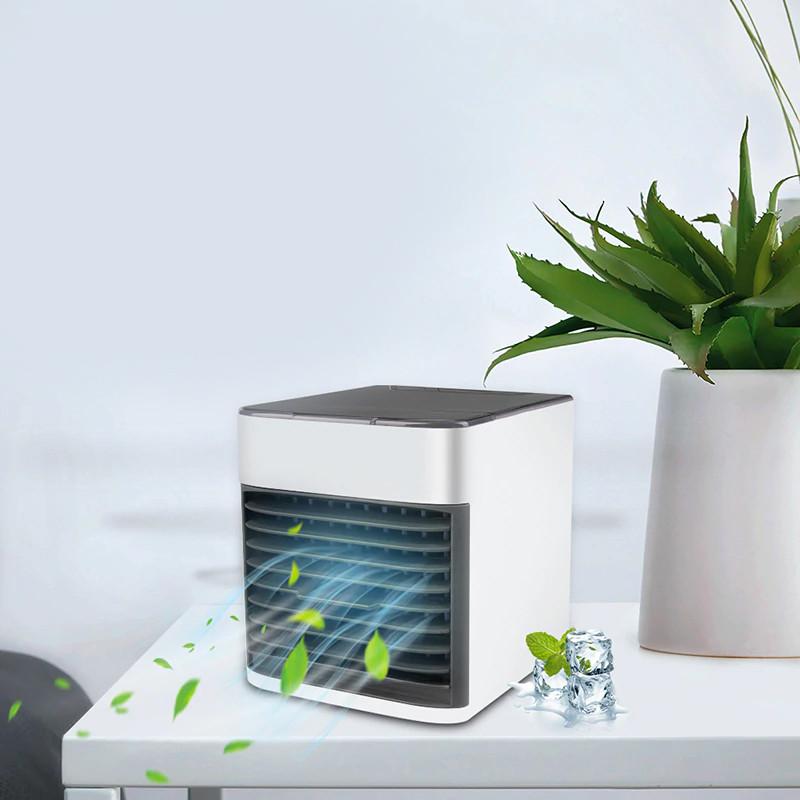 Klimatyzator przenośny Cooler Air i wychodzący z niego powiew
